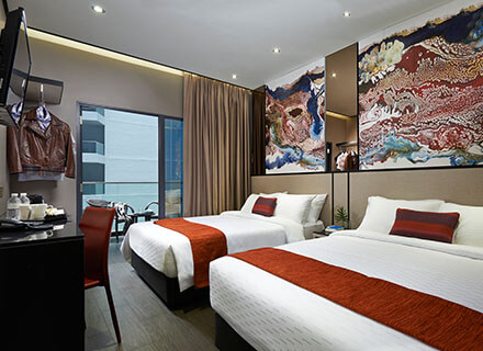 Family rooms with balcony near Orchard Road at Hotel Boss