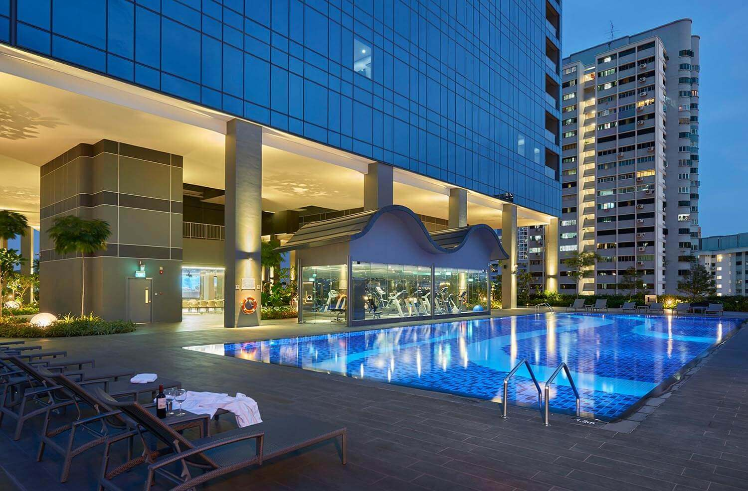Outdoor Swimming Pool | Hotel Boss Singapore